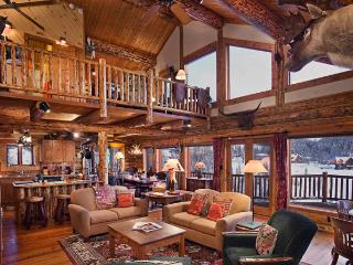 Mountain High Chalet - the Quintessential Luxury Cabin - Moving  Mountains