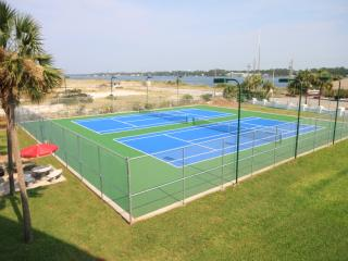 Tennis Courts - El Matador Management Co.