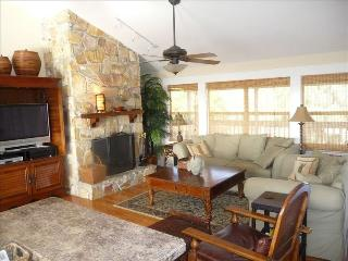 Waterfront Island Retreat- Panoramic View- Easy Walk to Beach - Weeki Wachee vacation rentals