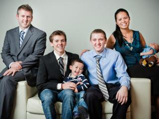 Gillespie Family 2011 with Paul, Cathy, Scott (19), Dylan (17), William (2) and Ethan (2months) - Cathy & Paul Gillespie