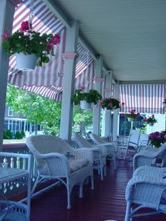 front porch - Harvard Apartments