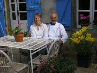 Carolyn & Nick, Chez Maison Bleue, informal but attentive hosts - Chez Maison Bleue