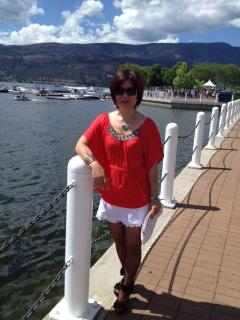 Kelowna, Only 20 Minutes Away From the Castle, Where Beach, Shopping, Fine Dinning, Clubs Are. - May Liang