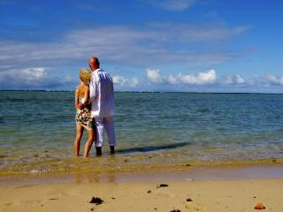Exquisite Weddings, Honeymoons, Romance - SigaSiga Sands Cottages