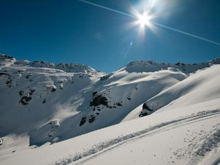 Skifileds in and around Queenstown: Coronet Peak, The Remarkables, Cardrona, Treble Cone, Snow Park, - Goodstays Queenstown