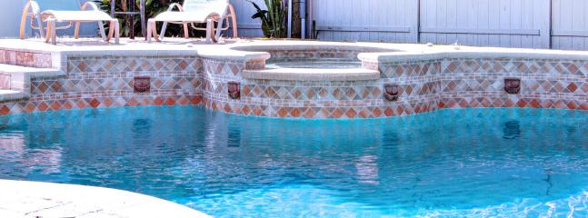 Pool w/Jacuzzi - Florida Kosher Villas, LLC