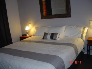 Very comfortable King Size bed. - Maric Park Cottages