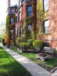 Outside Grounds - Welcome Inn Manor B&B on Michigan Avenue
