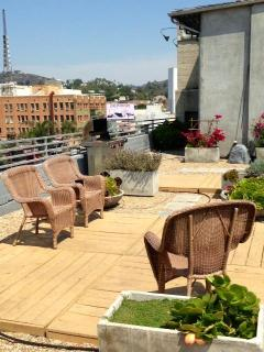 Rooftop BBQ! - Bed and Bay Residence Inn