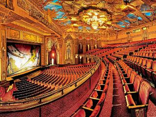 The Pantages Theatre is within WALKING DISTANCE! - Bed and Bay Residence Inn