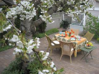 Patio - Cherry Tree Bed and Breakfast