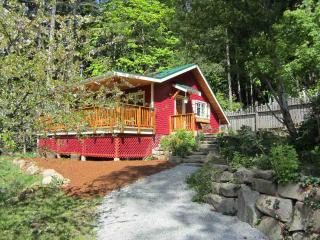 Salt Spring Island Accommodation at Cosy Woodpecker Cottage - Duncan Elsey