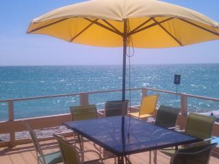 Come join us on the Sunset Deck! - Pearl Beach Inn