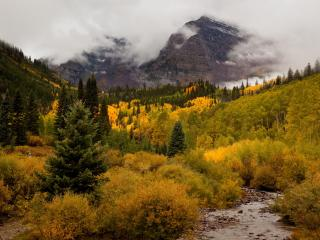 Maroon Bells in Fall - First Choice Properties & Management, Inc.