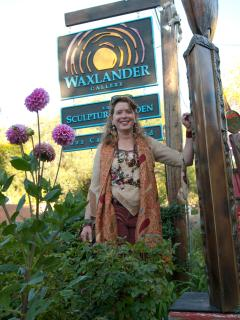 Wendy at her mothers galler on Canyon Road - Two Casitas