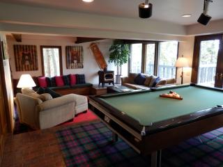 Black Bear Lodge - 5 bedroom +  family room - First Choice Properties & Management, Inc.