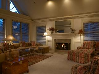 West End Splendor-Deluxe 5 bedroom Aspen home - First Choice Properties & Management, Inc.