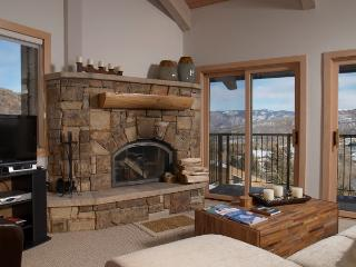 Snowmass Mountain -  deluxe 3 bedroom + loft - First Choice Properties & Management, Inc.
