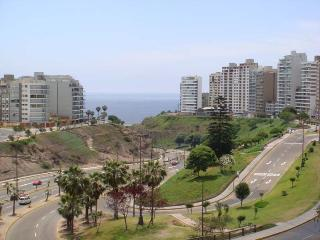 lima-apartments.com - LimaApartments