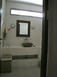 Jepun suite bathroom - Angel Villa Bali