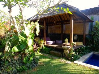 Bale/Gazebo in the garden - Angel Villa Bali