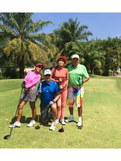 Colourful golf ! - Brian Phillips