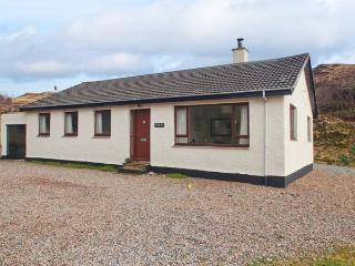 TORGORM, ground floor, pet-friendly with stunning views, woodburner, close Skye, Glenelg Ref 22604 - Glenelg vacation rentals
