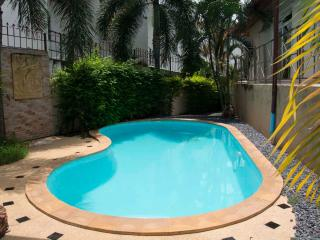 RAWAI - Great 3 bed pool villa with maid service - Saraburi Province vacation rentals