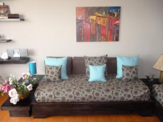 Beautiful Design &Centrally located Suite Tamayo  ! 1-4 pax.  Best place in Quito - Quito vacation rentals