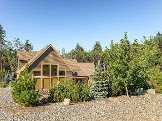 Upscale Mountain Home, 3BD,AC, WiFi, Pool, Slps9, 3rd Nt FREE SEPT!! - Cle Elum vacation rentals