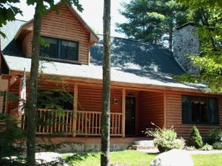 Rustic Luxury - Sleeps 14, Hot Tub, Game Room, Bar - Fryeburg vacation rentals