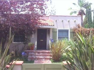 NEW Adorable 2 Bedroom 2 Bath HOUSE with Yard  (4609) - Los Angeles vacation rentals