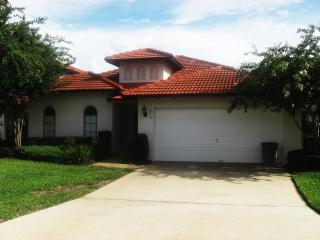 Private holiday villa with pool. Close to Disney - Clermont vacation rentals