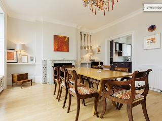 Incredible 4 bed, 4 bath home on the bank of River Thames! Sleeps 7. - London vacation rentals