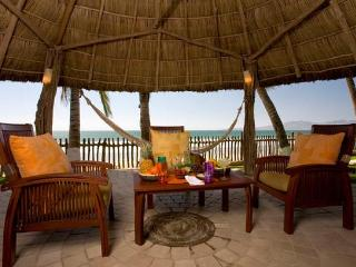 PVR - ROBI4 tropical  environment that everyone is looking for - Quimixto vacation rentals