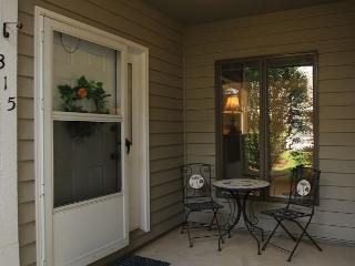 Royal Oak 315 great In-Town condo location, walk to Main Street - Blowing Rock vacation rentals