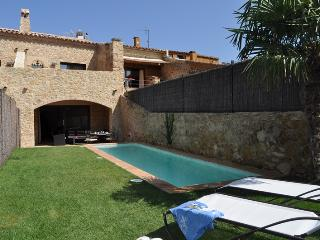 A Splendid XVIII Century House with Garden & Pool - Palafrugell vacation rentals