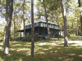 Private Canandaigua Lake Cottage 200 ft lakefront - Canandaigua Lake vacation rentals