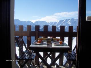 Nice flat - south oriented- great views - L'alpe D'huez vacation rentals