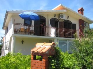 Sunny apartment with balcony in Murter close to the beach - Murter vacation rentals