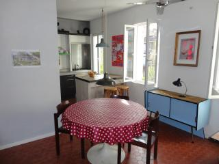 Typically French apartment in the city-centre of Marseille - Marseille vacation rentals