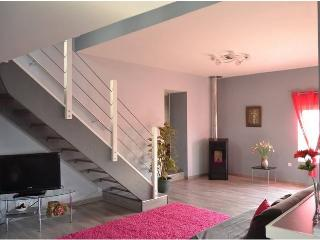 Right in the heart of the Pas-de-Calais, luxury gîte with terrace and garden - Nord-Pas-de-Calais vacation rentals