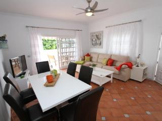 Casita Oliva - Beauty & Relax - 4 bed, Pool, Adeje - Adeje vacation rentals
