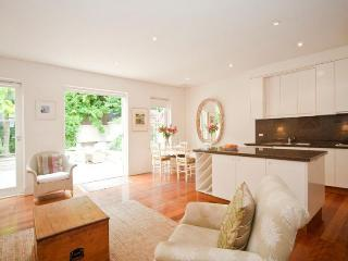 A GRAND LOCATION - New South Wales vacation rentals