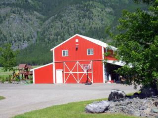 The Red Barn: Incredible View 5 Star Accommodation - Columbia Falls vacation rentals