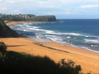 Beach side home 300m walk to Beaches , Golf course & Transport to Sydney & Manly - New South Wales vacation rentals