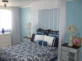 Naples Condo, Minutes from the beach!! - Naples vacation rentals