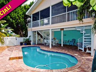 Life is Good at the Beach: 3BR/2BA Family- and Pet-Friendly Pool Home - Holmes Beach vacation rentals