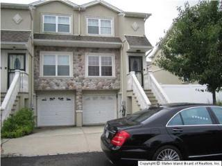 Beautiful 4 Bedroom And 2 1/2 Bathroom  Spacious For Long Term Or Short Term - Staten Island vacation rentals