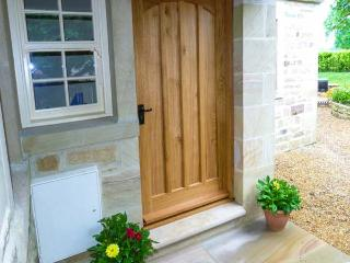 BEECH HOUSE, luxury cottage with en-suite, woodburner, WiFi, walks in the area, in Gargrave, Ref 28504 - North Yorkshire vacation rentals